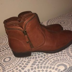 Guess brown booties